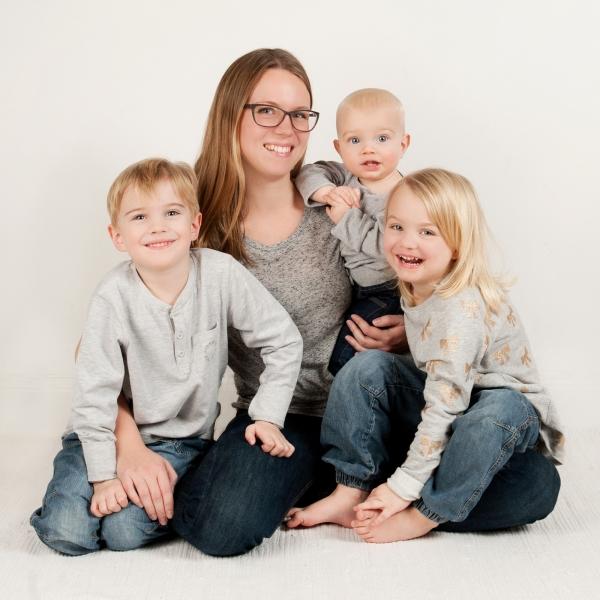 Anna Lavfors och barnen, fotograf Bodil Bergman Hughes
